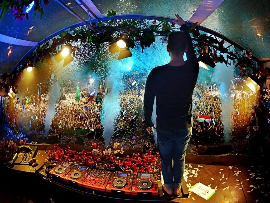 tomorrowworld main stage