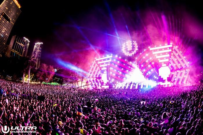 Ultra Music Festival Main Stage/Photo by Kevin Verkruijssen/EDMkevin.com