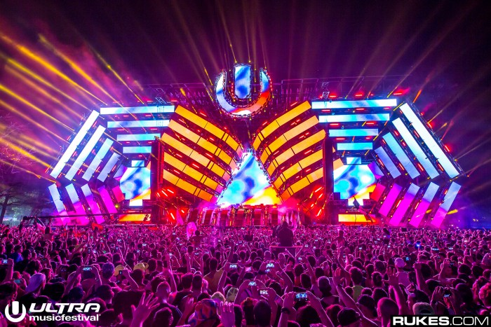 Ultra Music Festival Main Stage / Photo by Rukes
