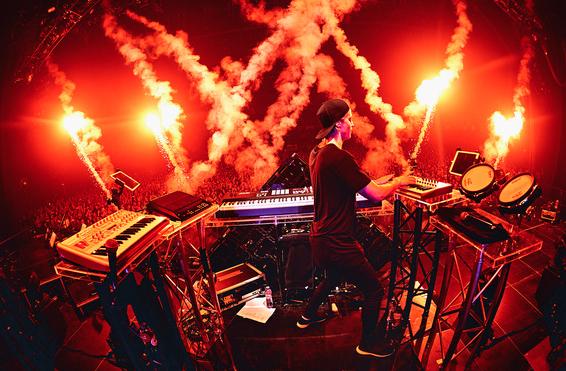 Kygo performing at ULTRA 2016